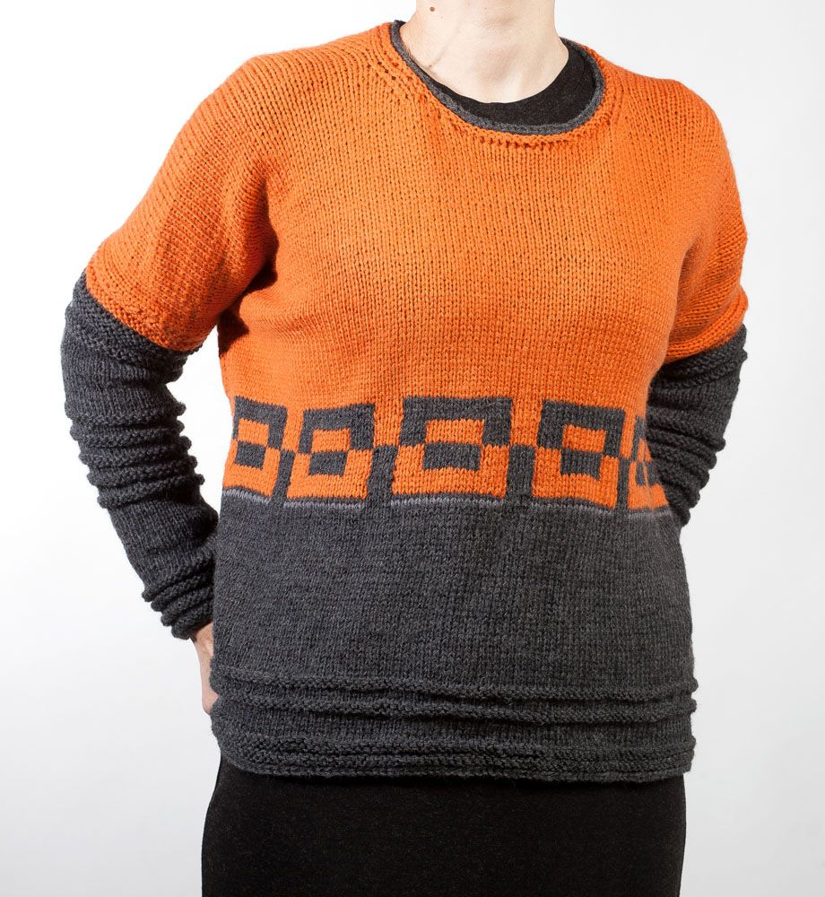 Hand knit Sweater Size: M Material: pure wool