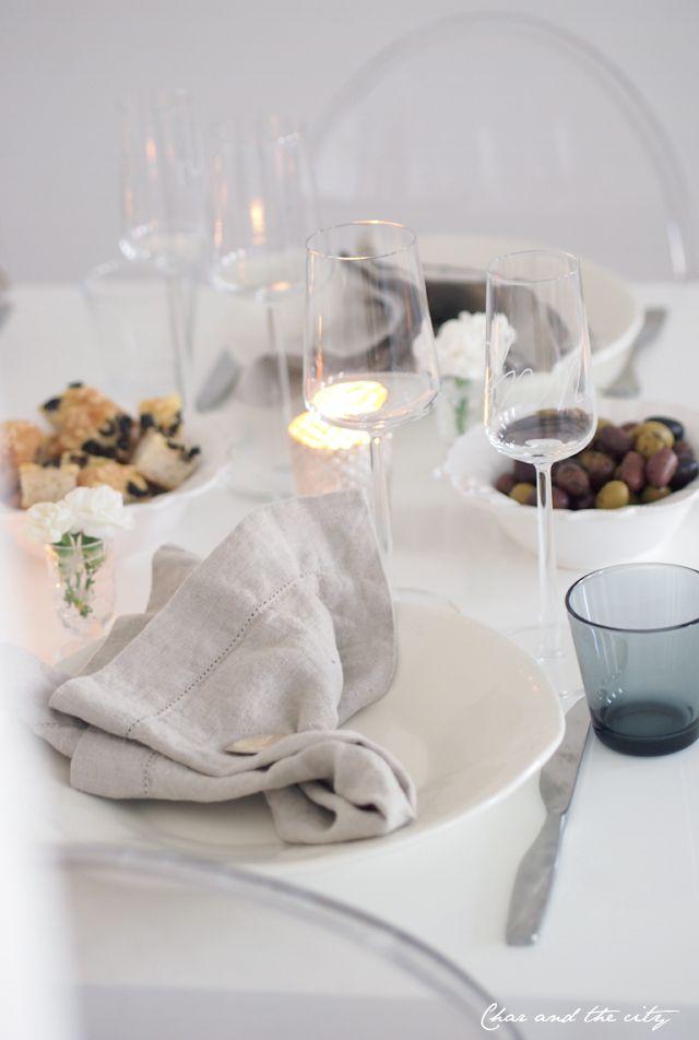 Table setting for a girls night: http://divaaniblogit.fi/charandthecity/2013/10/13/kattausideoita-tyttojeniltaan/