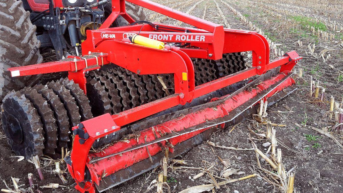 He Va Front Roller 300 Mit Einem Top Cutter Stegemann Landtechnik Einfache Maschinen Schlepper