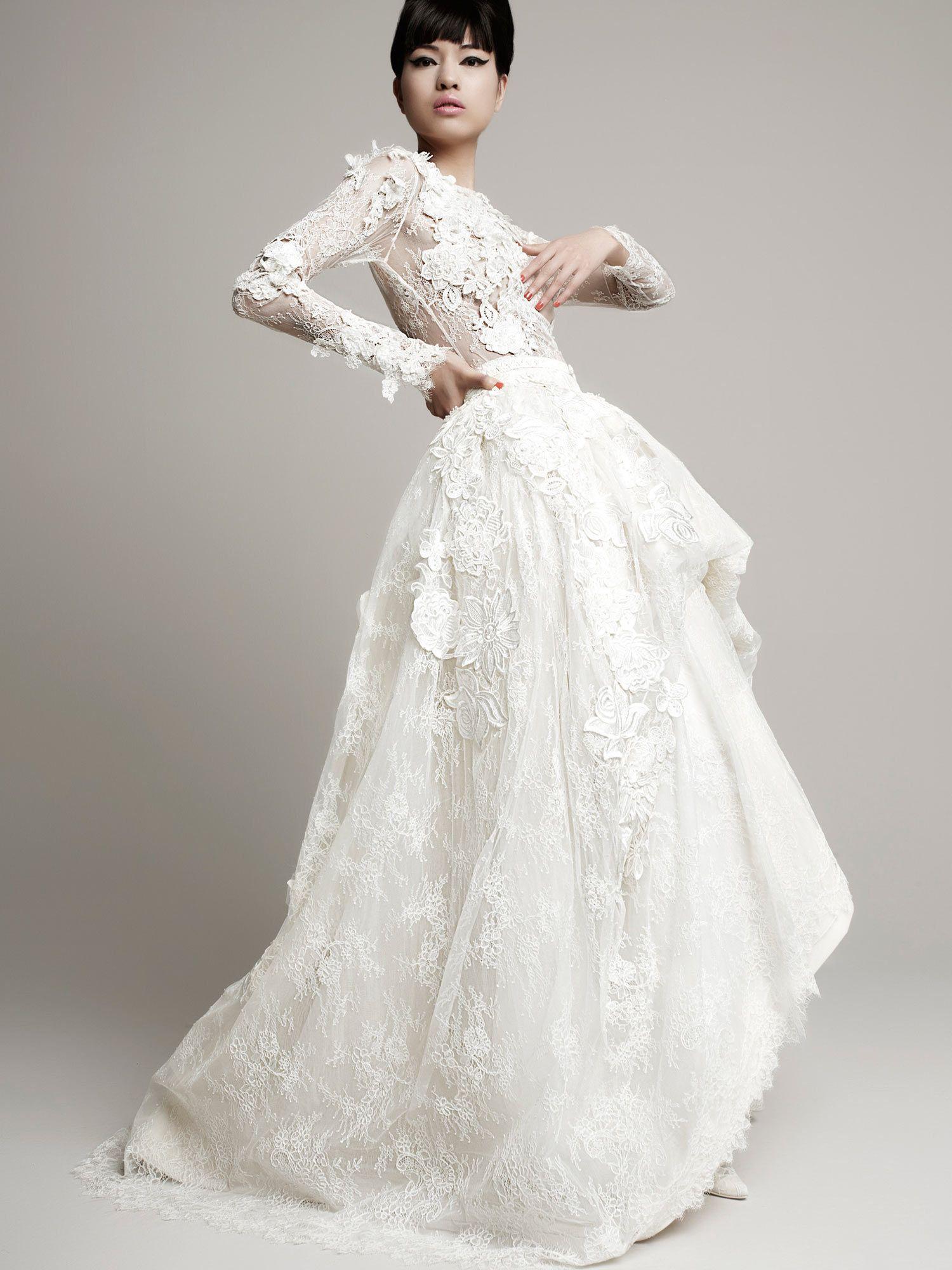 YolanCris | Fashion wedding dresses for modern brides with an unique ...