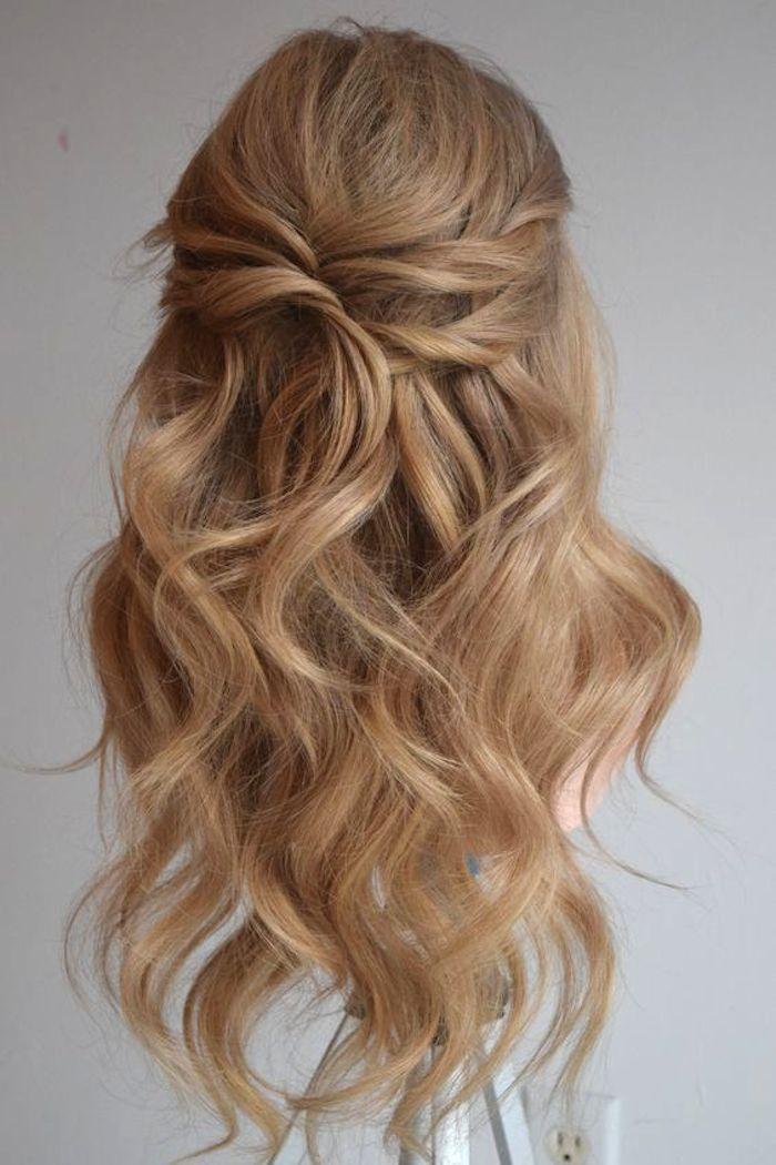 37 wunderschöne halb hoch halb runter Frisuren für die moderne Braut #softcurls