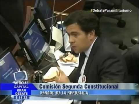 El Paramilitarismo fué creado por Alvaro Uribe Intervención de Rodrigo L...