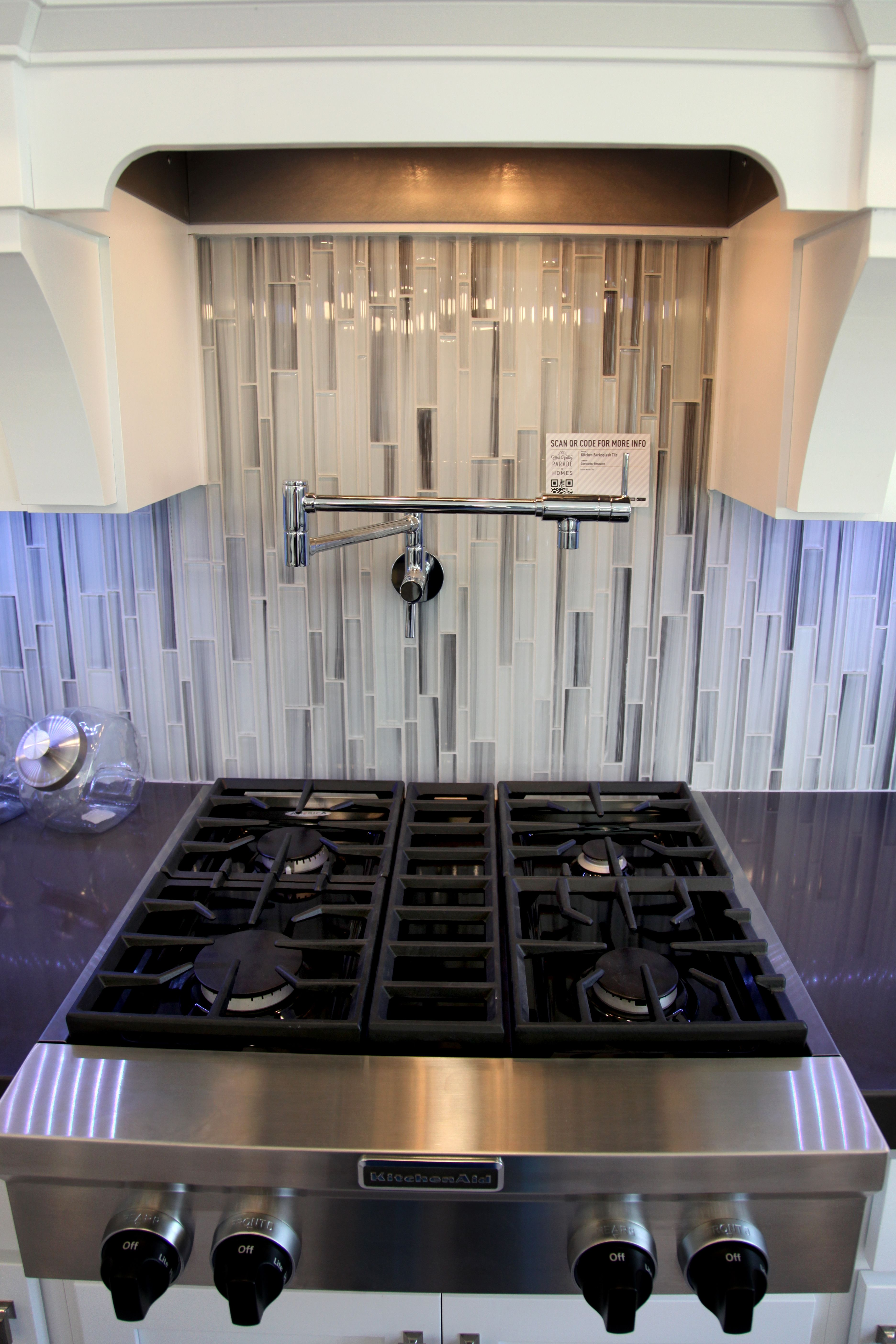 let your kitchen display your personality backsplash contractorresource kitchen display on kitchen interior tiles id=20481
