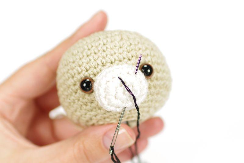 Amigurumi Bear Nose : Embroider simple teddy bear nose 鉤針 teddy bear