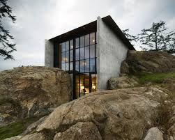 Resultado de imágenes de Google para http://static2.businessinsider.com/image/52d4136169bedd4c24bd2f21-1200/the-pierre-house-juts-out-of-roc...