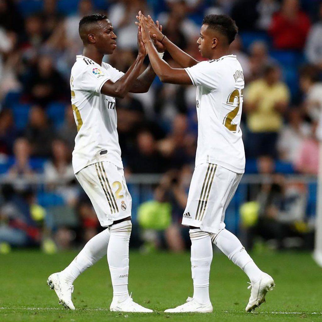 Obrigado Senhor Debut Oficial Con La Camiseta Del Real Madrid Que Momento Gracias Casemiro Ahora Seguir Trabajando Real Madrid Madrid Madrid Derby