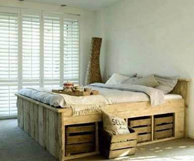 Bed Made From Pallets And Vegetable Fruit Boxes Wood Pallet Bed