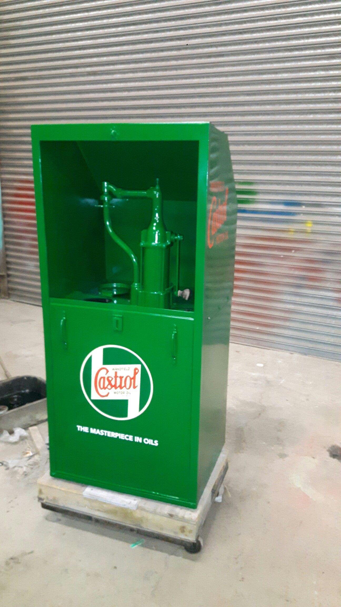 Castrol Oil Dispenser Vintage Oil Cans Vintage Gas Pumps Petrol Station