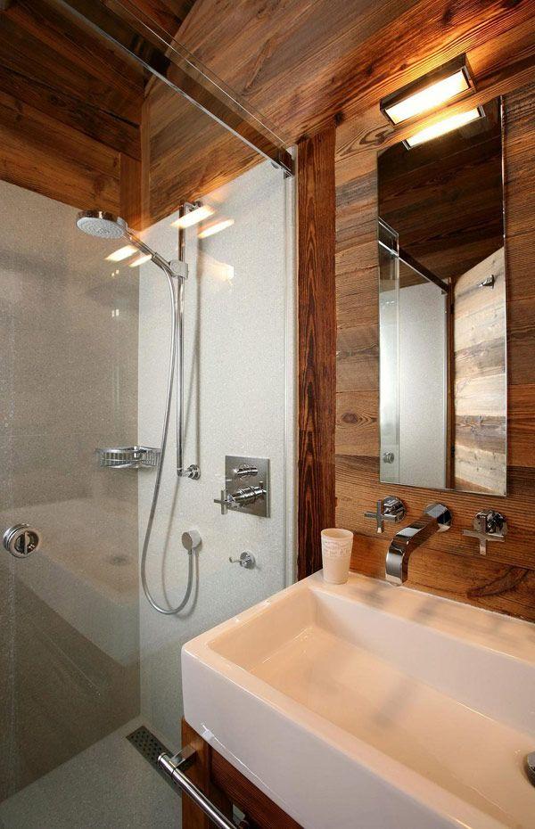 Douche en verre pour salle de bains en bois Chalet style
