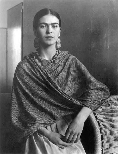 Portrait of the artist Frida Kahlo. 1931, Imogen Cunningham
