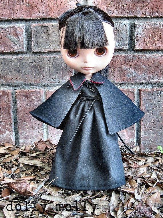 dolly molly WITCH black basic dress for BLYTHE doll by dollymolly