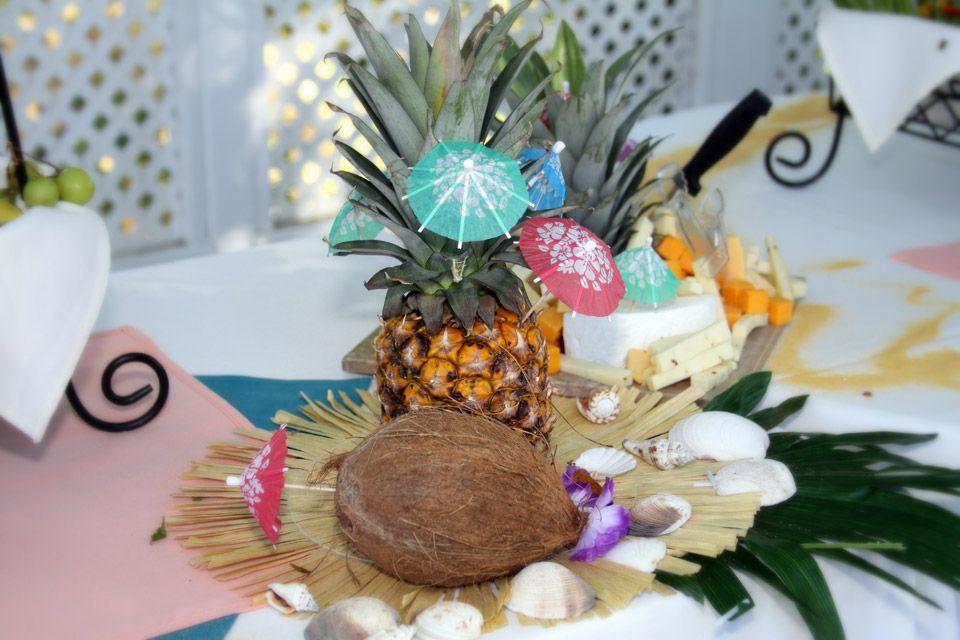 Hawaiian Table Decoration Ideas Luau Table Decorations Pictures Luau Table Decorations Pineapple Decor Luau