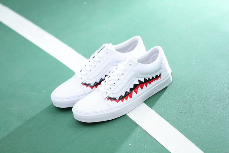 98c0548bf1c83e Vans x Bape 17SS White Shark Mouths Tooth Old Skool Skate Shoes  Vans