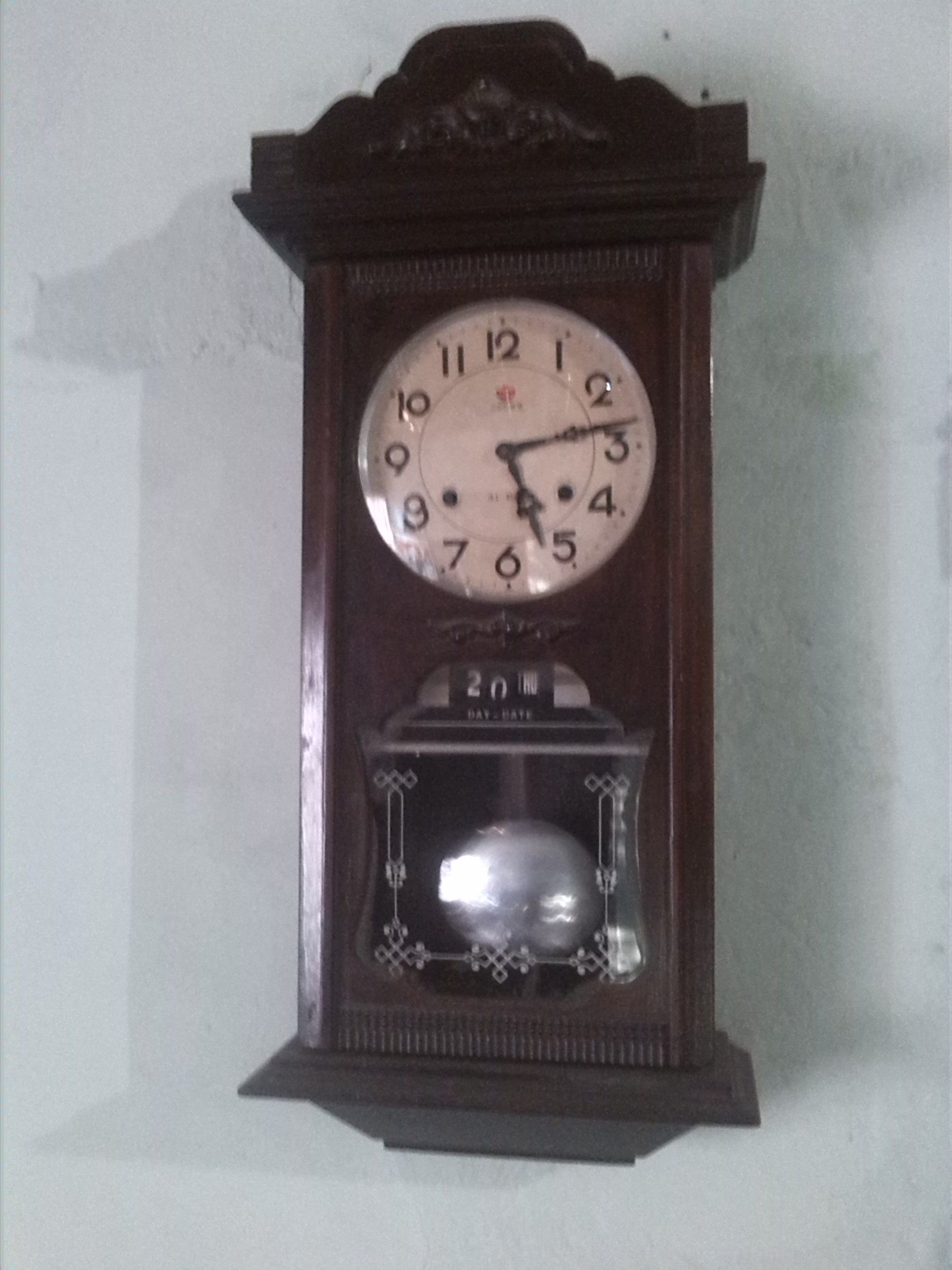 17cd6549dba8 Reloj De Pared Antiguo Koreano Marca Crown
