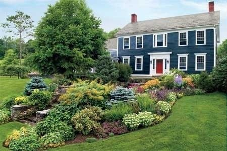 Love red door can 39 t talk the husband into it house ideas pinterest for Federal style home exterior paint colors