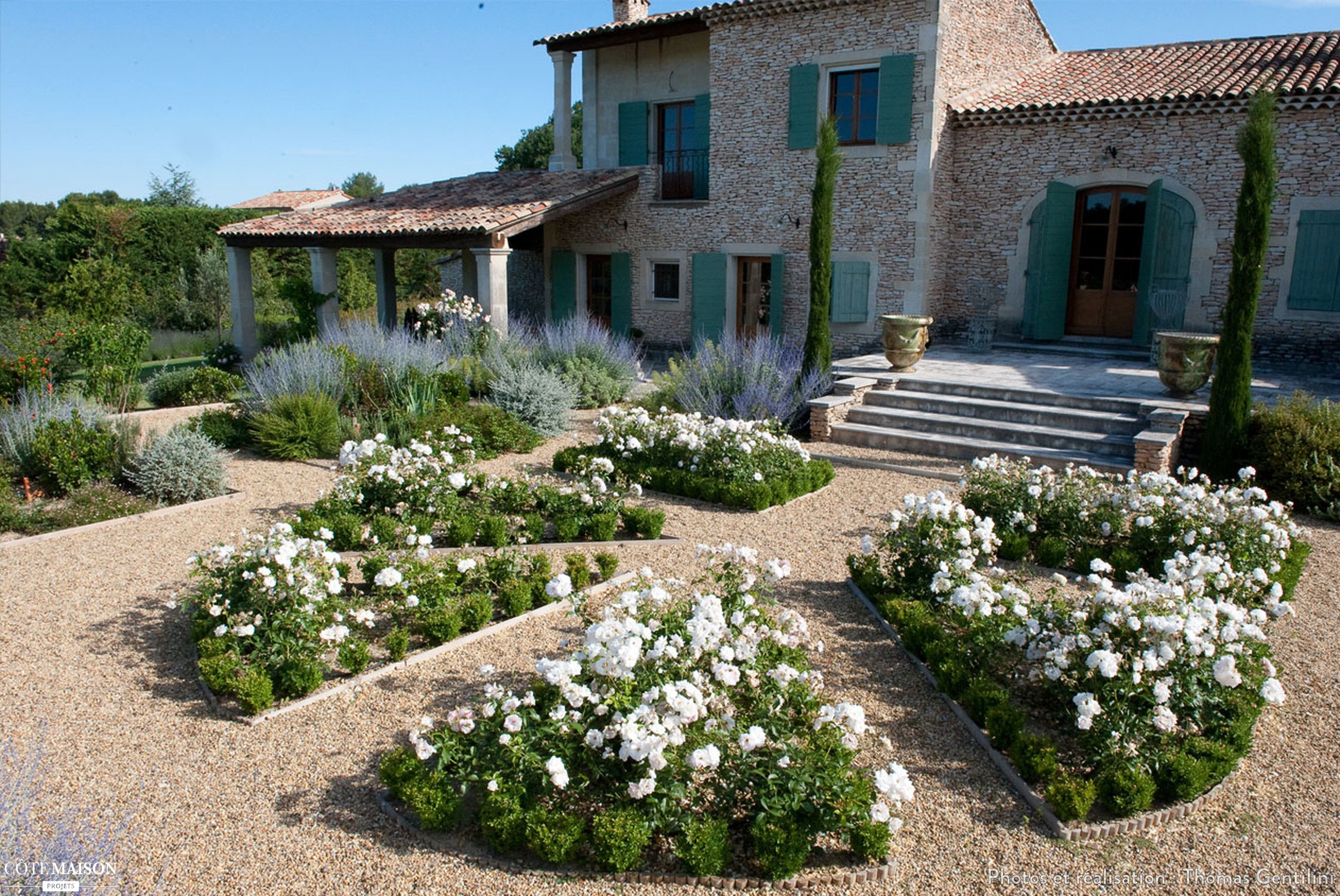 Beautiful amenager son jardin en provence gallery for Amenager son jardin