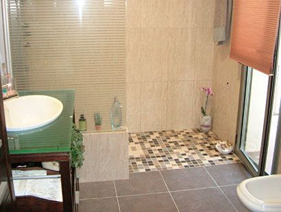 ducha de obra suelo azulejos pequeos