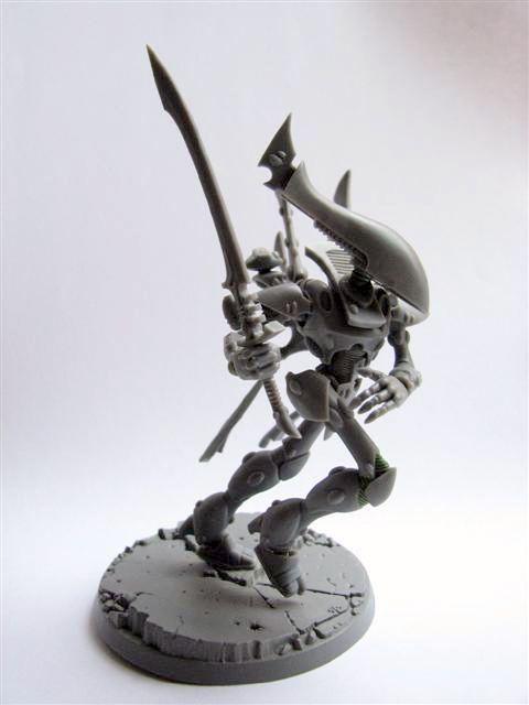 Image from http://eldar.arhicks.co.uk/miniatures/eldar/craftworld/images/wraithlord_2_4.jpg.