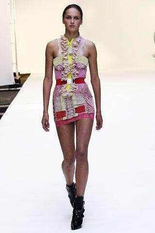 Christopher Kane   Spring 2007 Ready-to-Wear Collection   Karmen Pedaru Modeling   Style.com