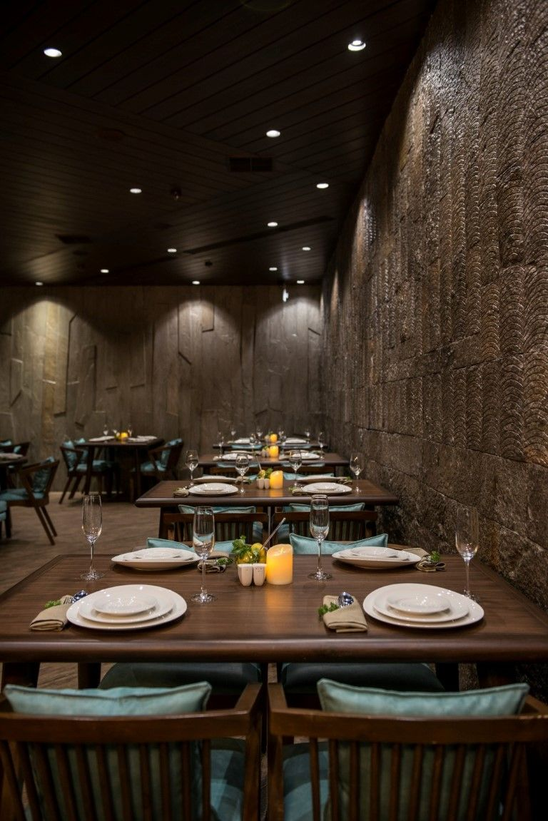 Vintage Looking Restaurant Design Has Modern Experience Cafe