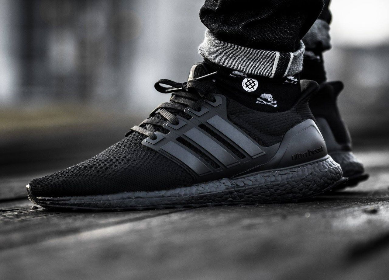 Adidas Ultra Boost - Triple Black - 2016 (by timboslice1337) | My Style | Pinterest | Zapatillas ...