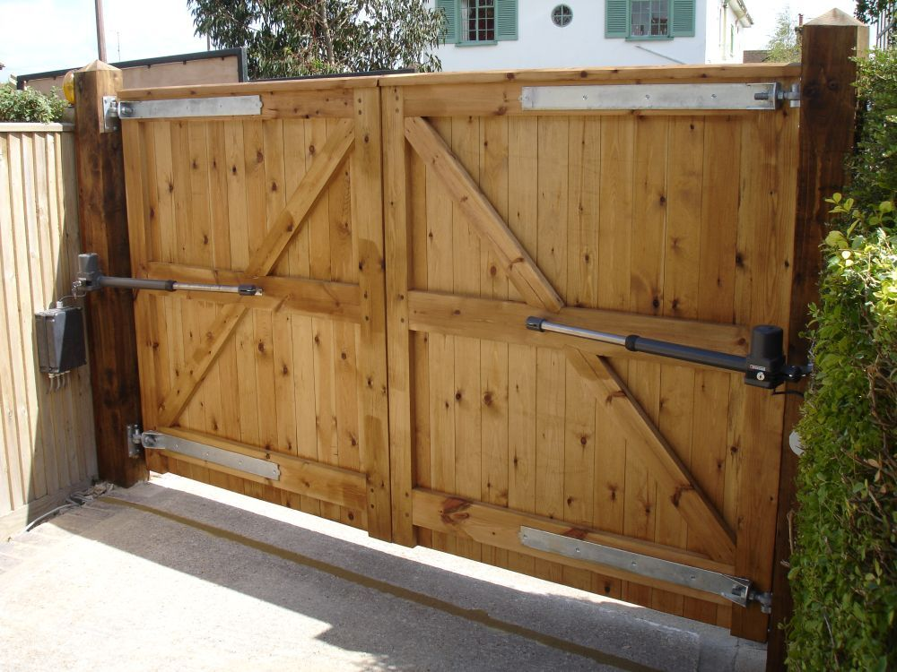 Pin By Web Werks On House Driveway Gate Wood Fence