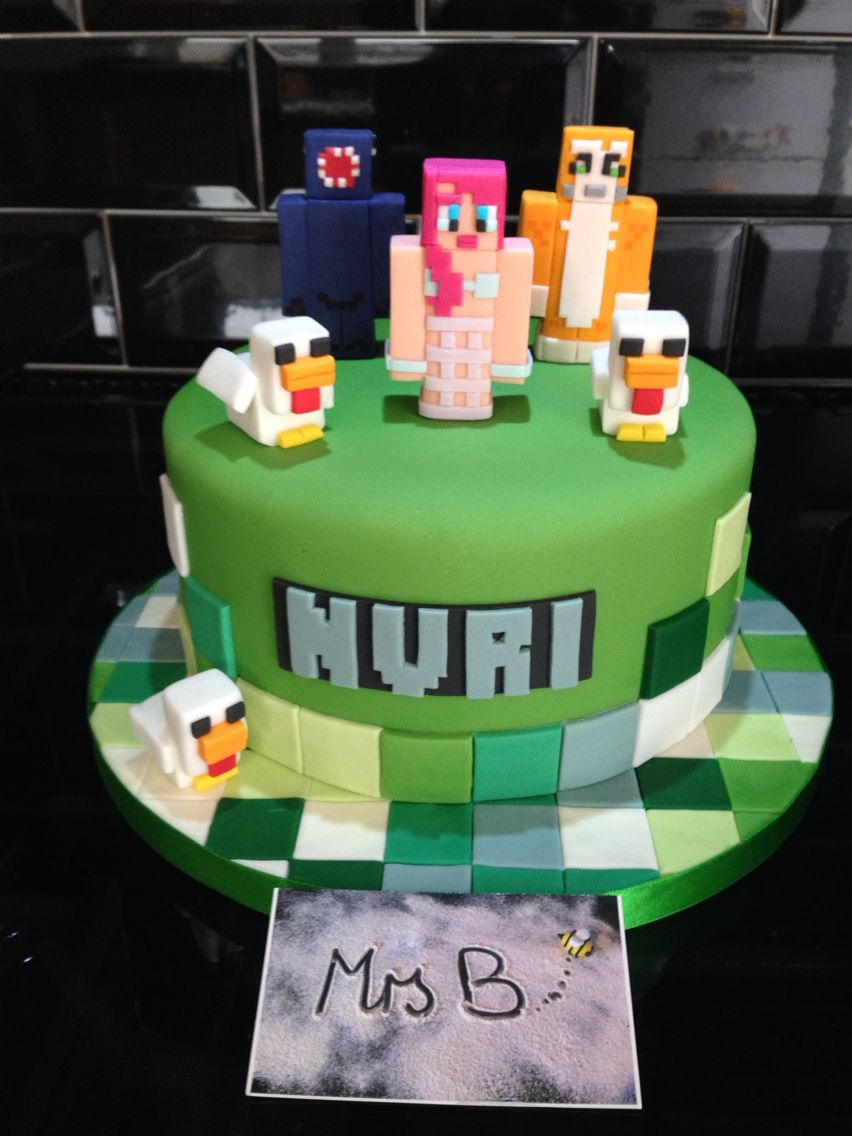 Minecraft For A Girl Went With A Round Cake To Mix Up