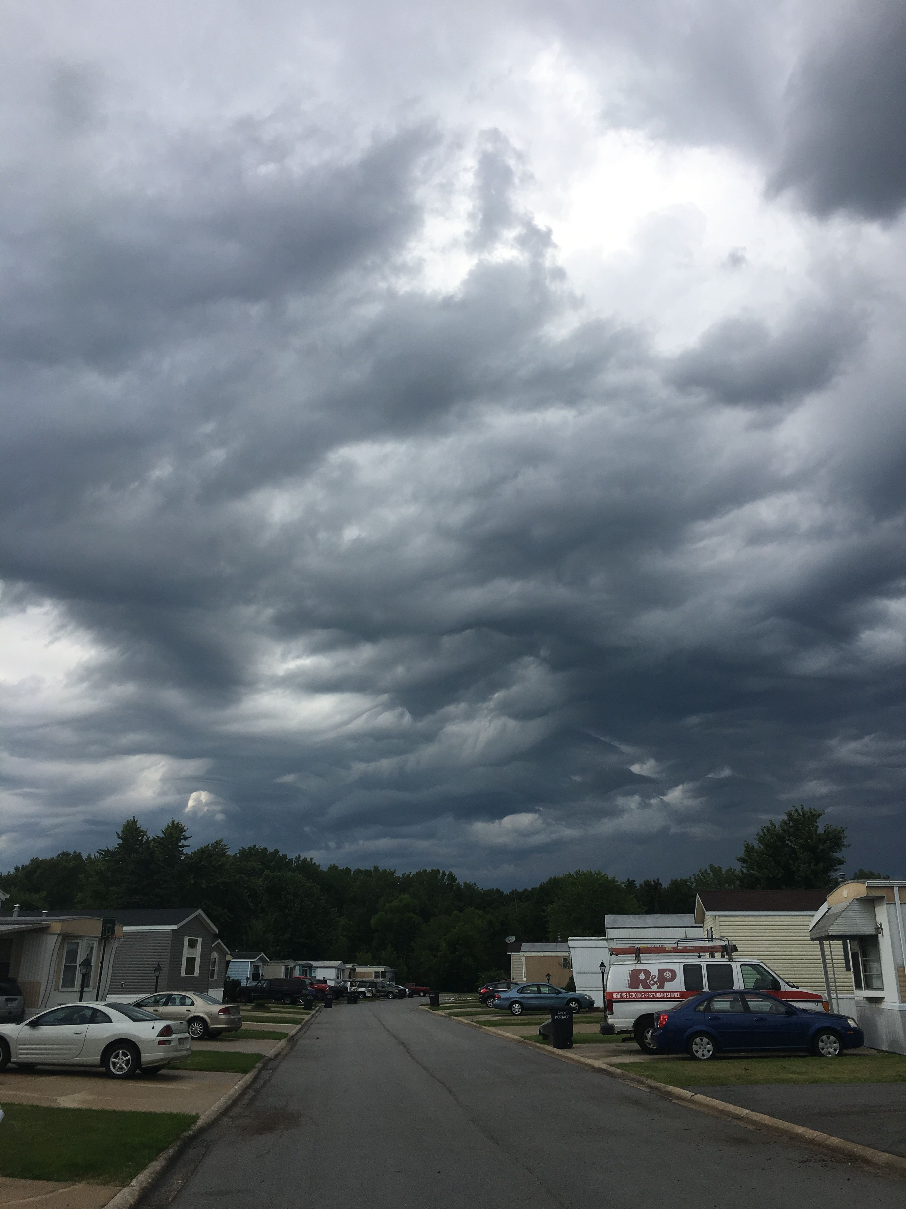 Accufan Weather Photo Of The Day Dark Skies And Clouds In Portage Indiana On July 21 Captured By Janet M Ow Ly H4yg30dstts Dark Skies Sky And Clouds Sky
