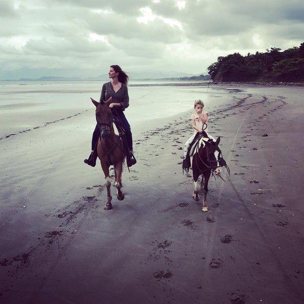 Gisele e Vivian  (Foto: Reprodução/ Instagram)