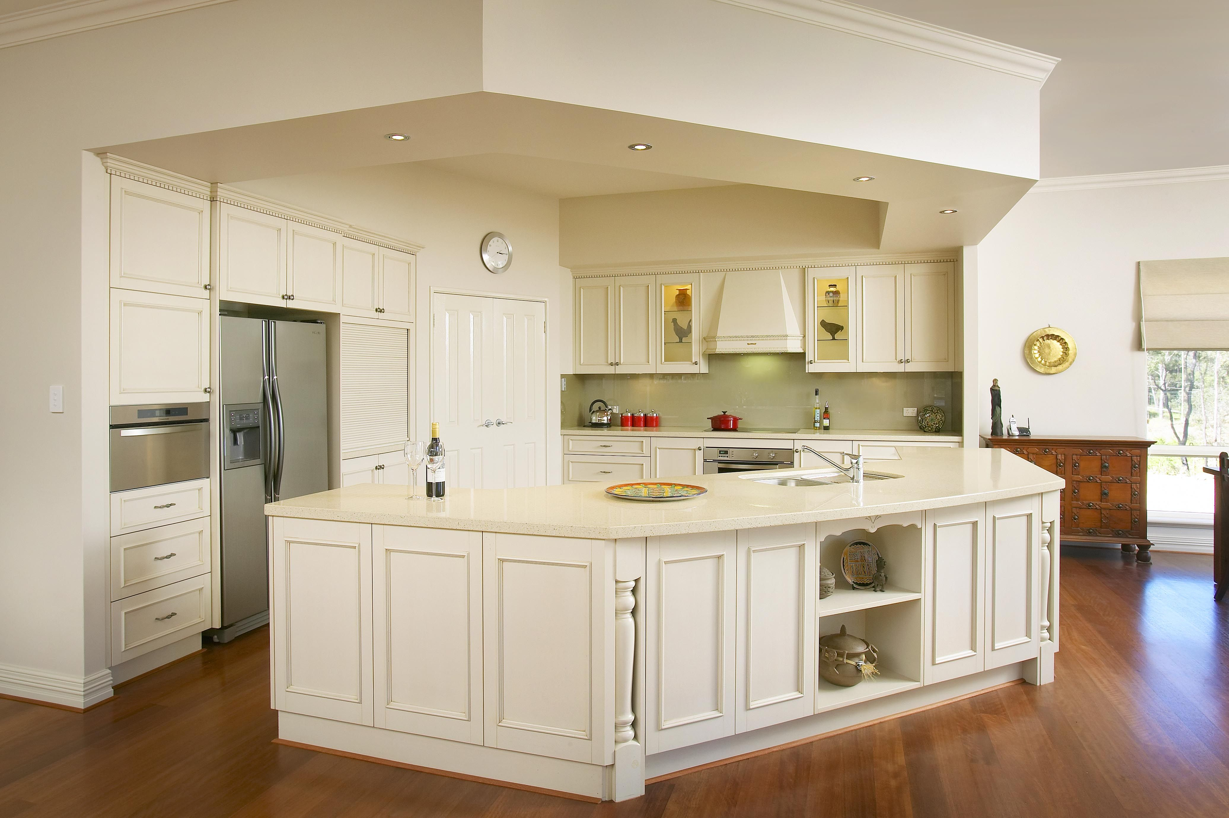 Traditional Style Kitchens With Images Kitchen Styling
