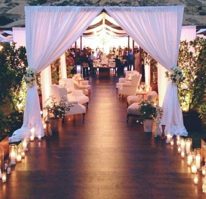 Afternoon Wedding Reception Ideas: Entry To Outdoor Reception