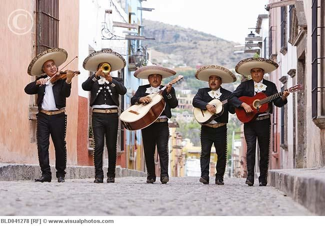 I Think It Would Be Soo Fun To Have A Mariachi Band At My Wedding Musica Mexicana Canciones De Mariachi Cultura De Mexico