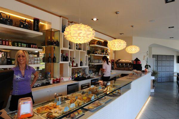 contemporary cafe interior design and modern italian furniture - Contemporary Cafe Interior
