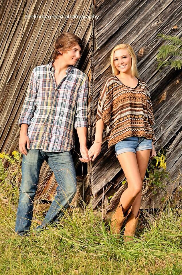 Barn, couple, fall photoshoot