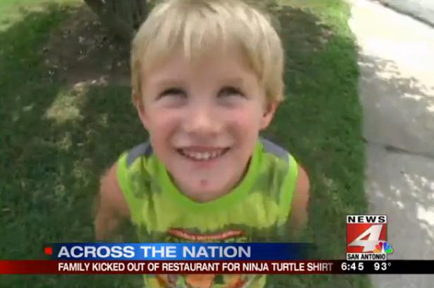 #Viral Niño de 4 años expulsado restaurante camiseta #TortugasNinja