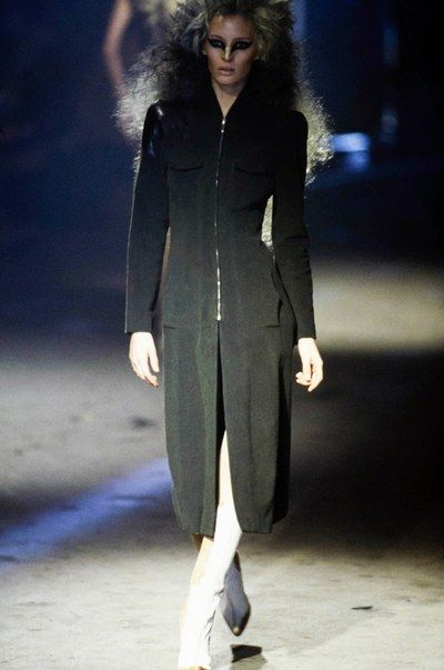 See the complete Alexander McQueen Fall 1997 Ready-to-Wear collection.