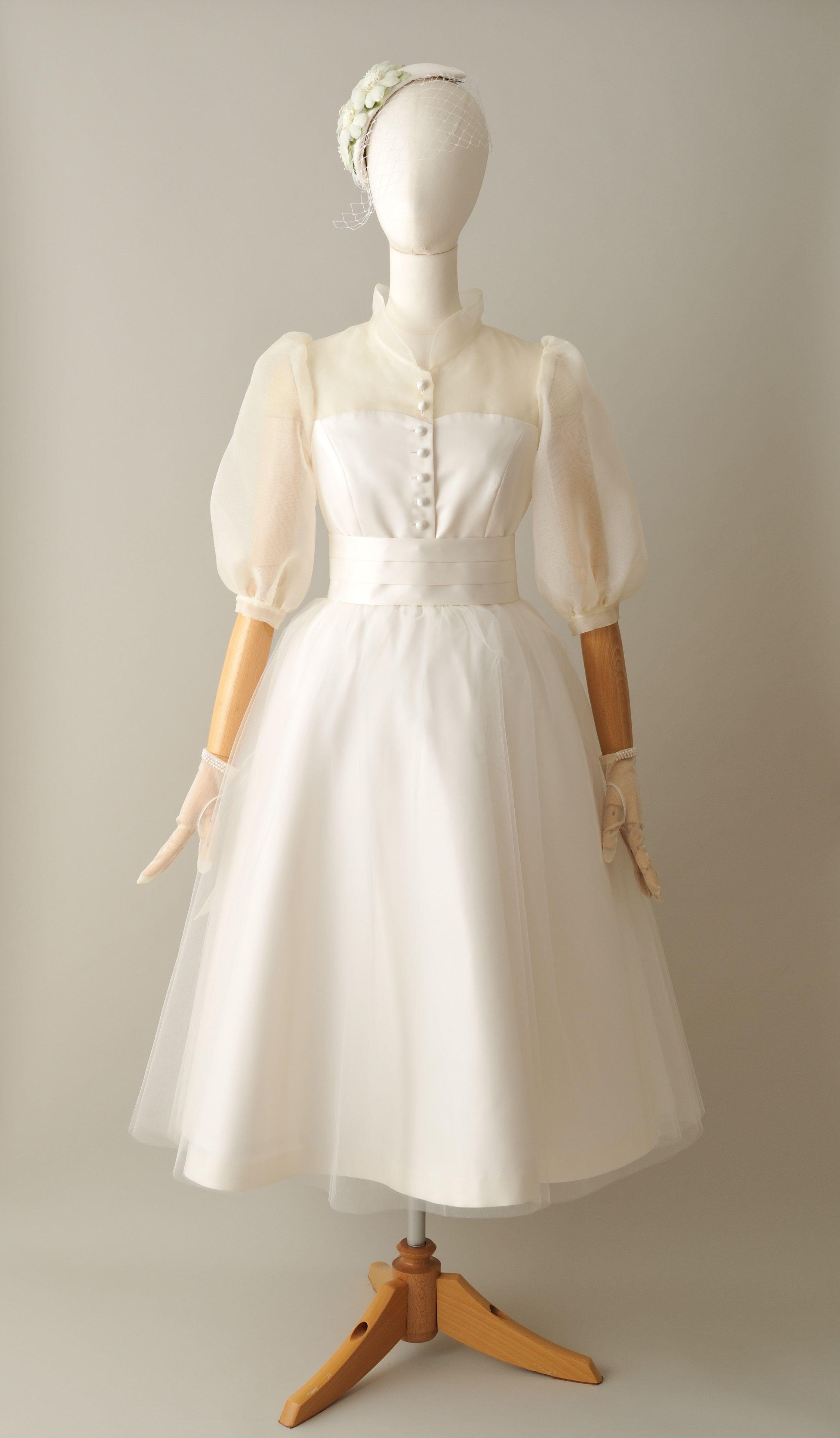 23035b480d9ba オードリー・ヘップバーンをイメージしたウェディングドレス