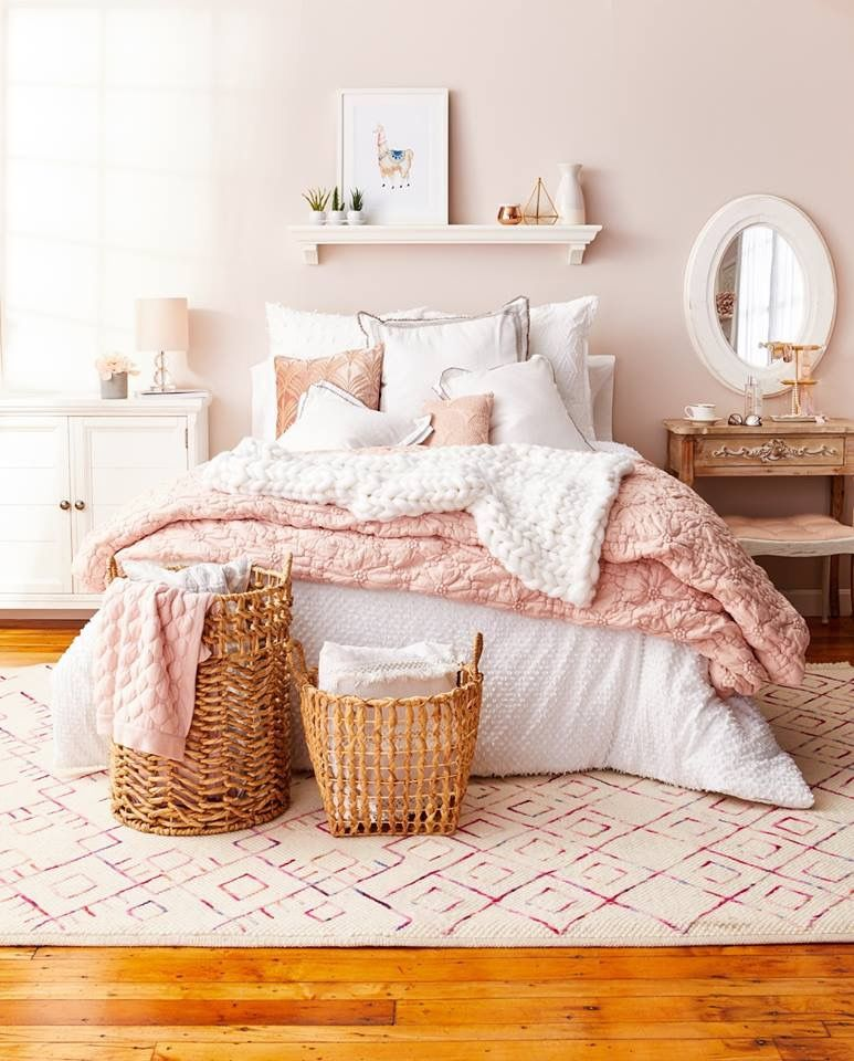 Guest bedroom Cason lane house staging idea