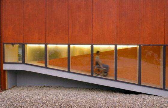 Florian Höfer Architekt-Rollstuhlgerechtes Niedrigenergiehaus