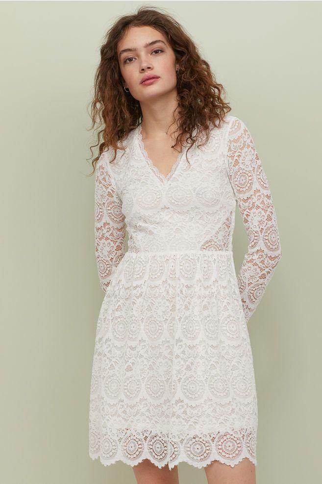 Robe De Mariee H M Robe Courte Manches Longues En Dentelle Weddingdress Theweddingexplorer Robe Courte Idees Vestimentaires H Et M Robe