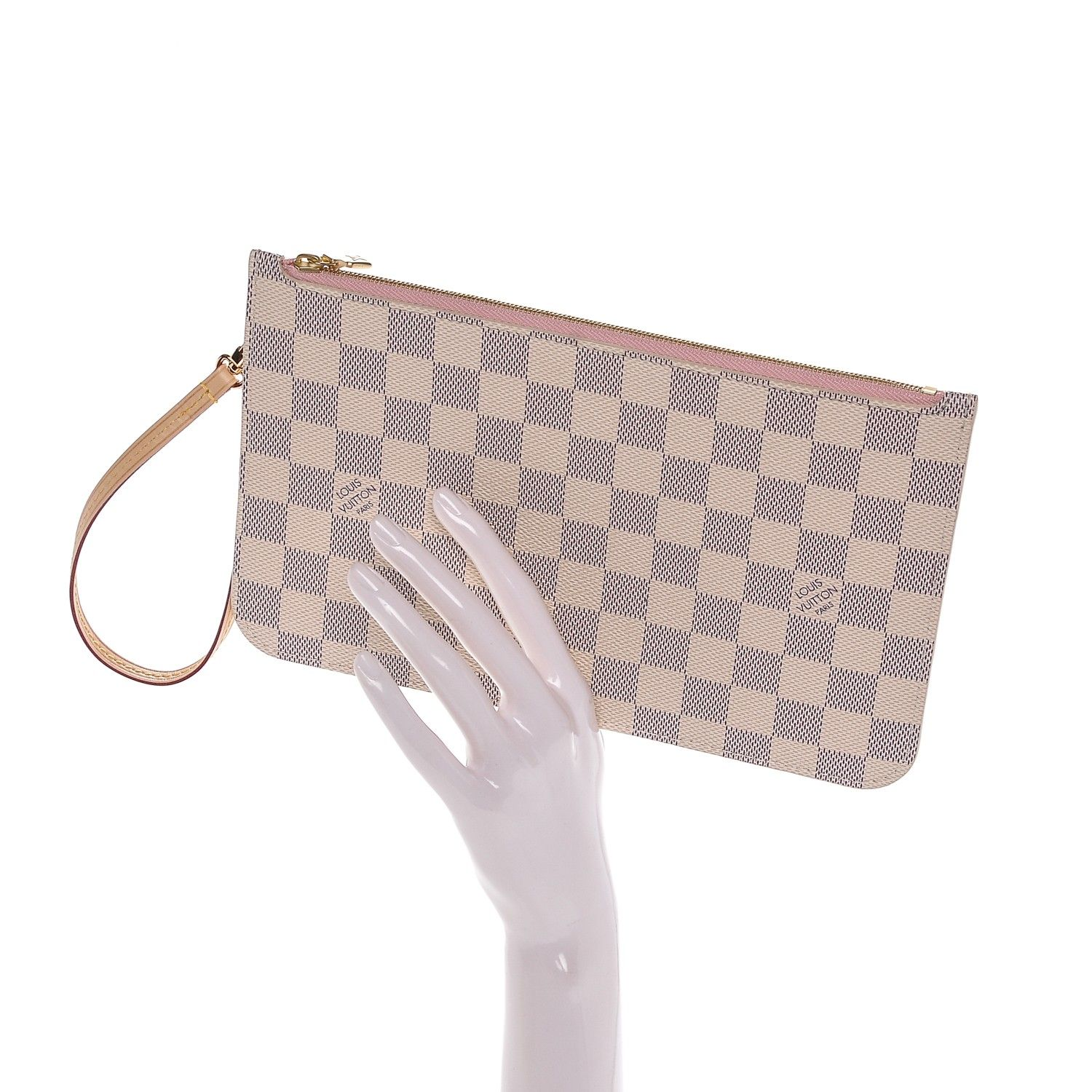 9bc95a0b822d This an authentic LOUIS VUITTON Damier Azur Neverfull MM GM Pochette in  Rose Ballerine. This