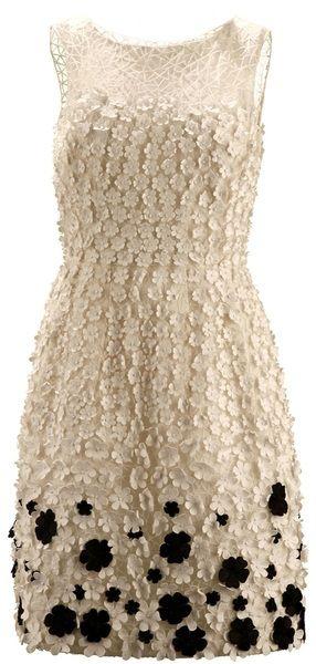 Oscar De La Renta Appliqued Flower Dress in Beige (black)