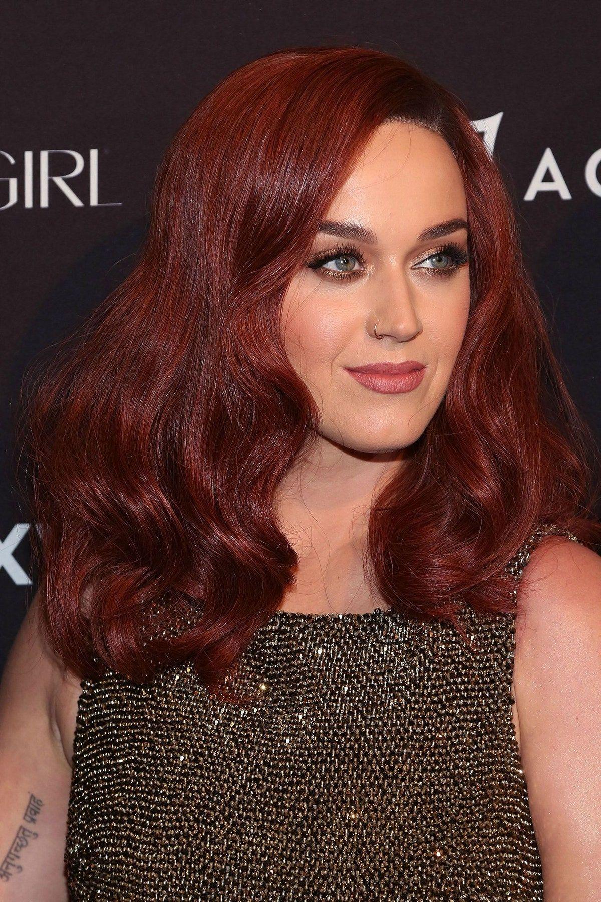 Katy Perry S New Auburn Hair Celebrity Beauty News Glamour In 2020 Hair Color Auburn Dark Red Hair Color Shades Of Red Hair