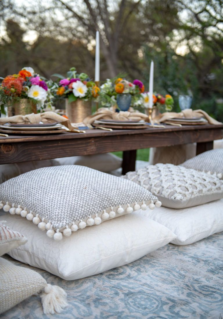 How To Plan A Bohemian Backyard Dinner Party | Dinner ...
