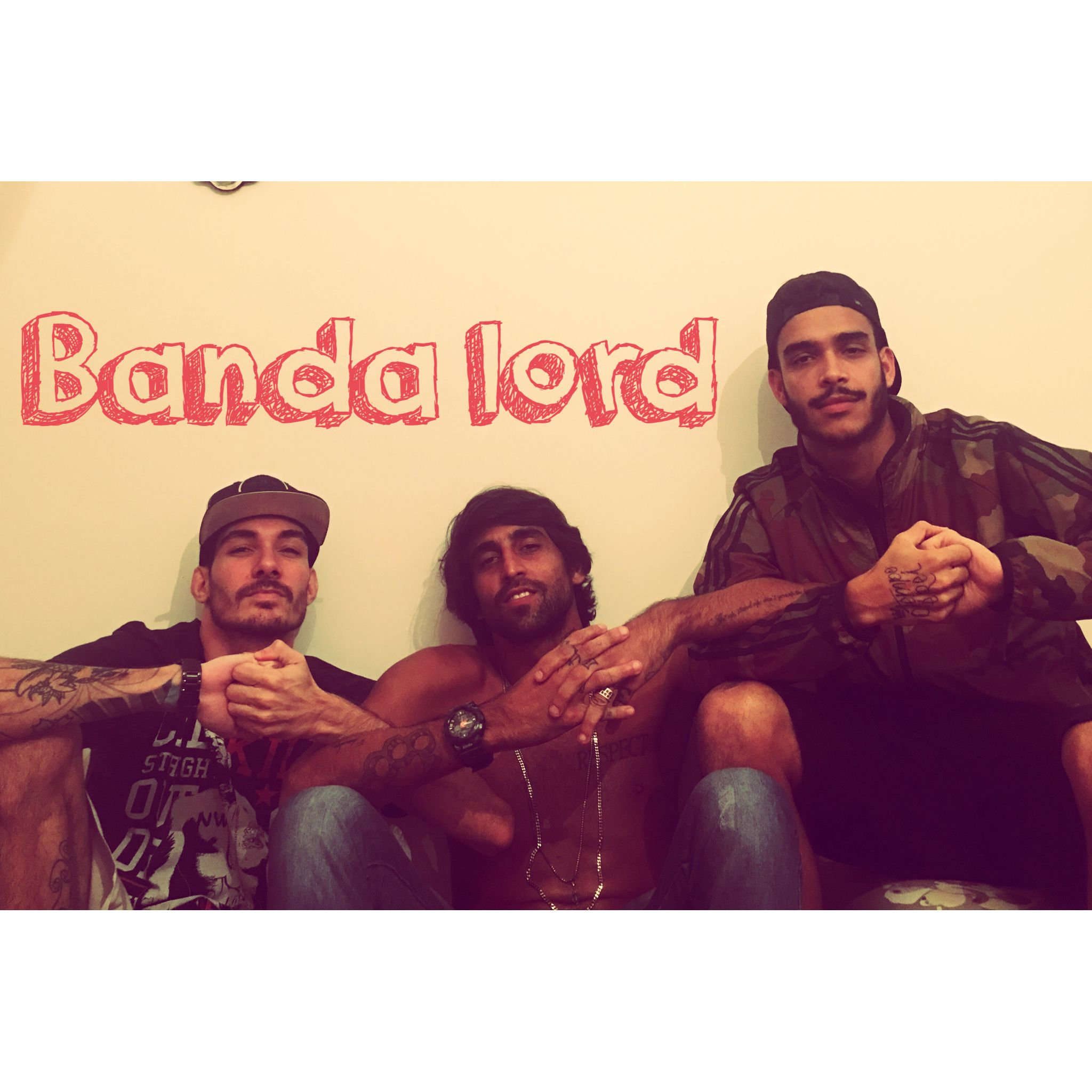 http://youtu.be/tBoCdlazggc  Escutem Relaxa Amor no youtube!   Curtam nosso instagram: @banda_lord