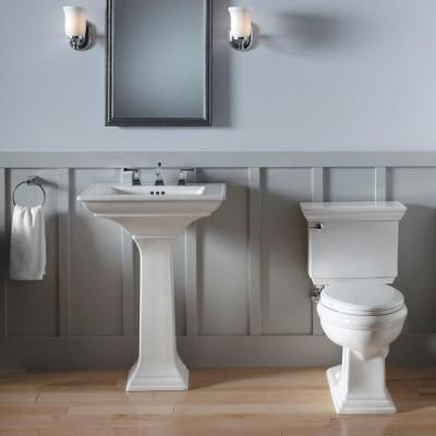 The crisp, clean lines of this pedestal sink make it a beautiful