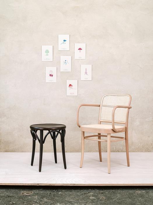 Fauteuil 811 Ton As Door De Mens Gemaakte Stoelen In 2020 Armlehnstuhl Stuhl Design Stuhle
