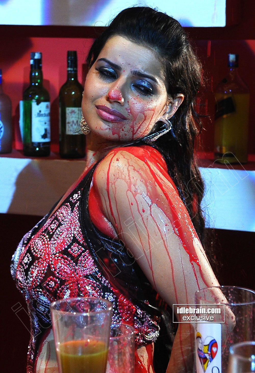 ə ٨ ٥ ٦ Of Wine And ƈӈƛmƥƛɠɲye Madhu Sharma Cinema Actress Halloween Face Makeup Face Makeup