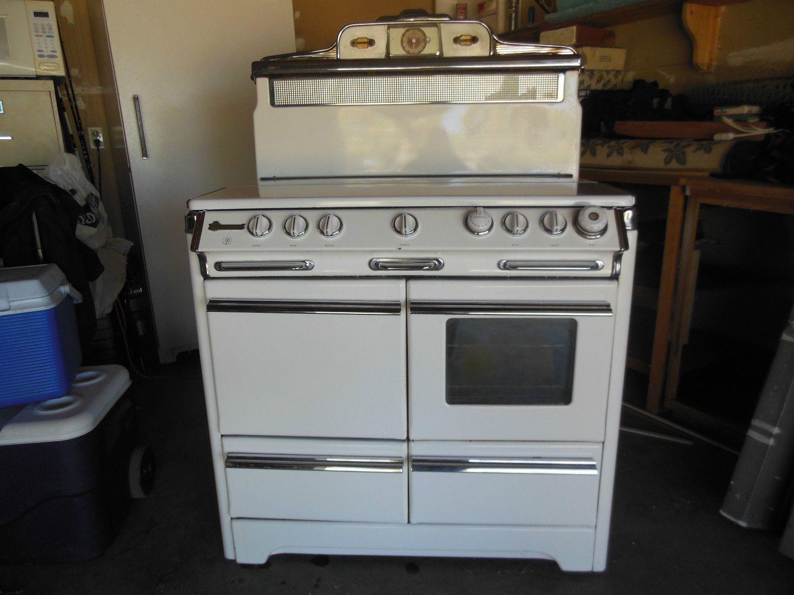 O'Keefe and Merritt six burner. 1950. It's newfangled oven window ...