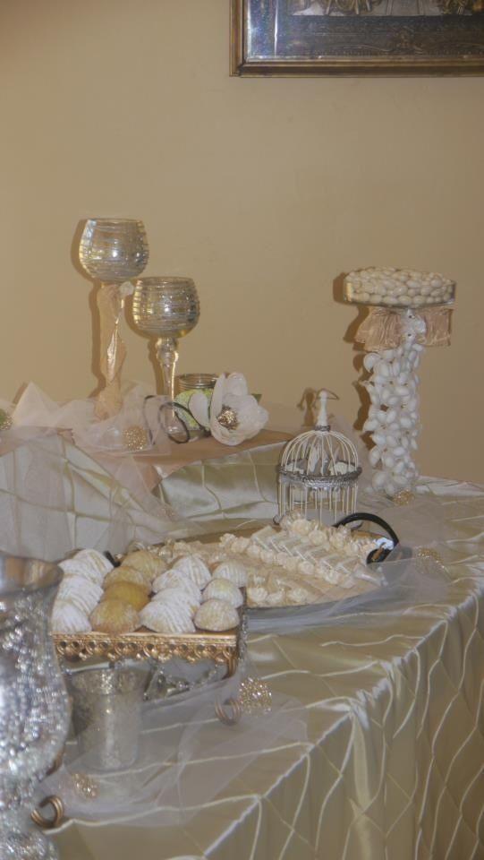Wedding table arrangement by crazy4favors